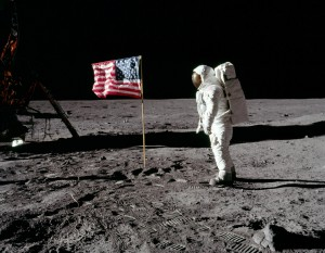 https://aehistory.wordpress.com/1969/10/09/1969-apollo-11-first-man-to-land-on-the-moon/as11-40-5875hredit/